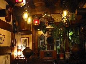 近所(西荻)の喫茶店「物豆奇」の店内