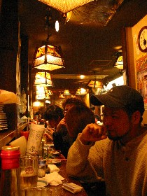高円寺の沖縄料理屋「抱瓶(だちびん)」