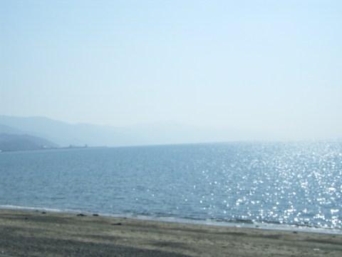 郡中港(伊予市)の瀬戸内海に臨む海岸