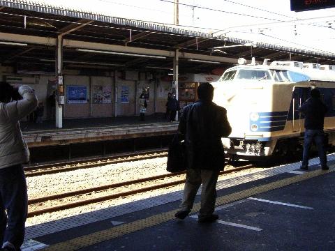 武蔵野線西国分寺駅に停まっていた583系
