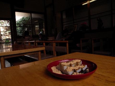 亀戸天神前の船橋屋でくず餅を食べる