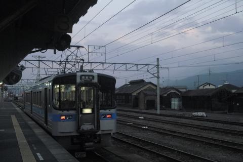 伊予西条駅で出発を待つ観音寺行き