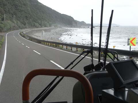 梅雨に入った室戸岬を周る奈半利から甲浦に行くバス