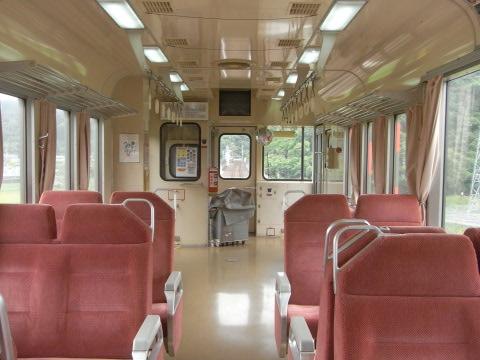甲浦を走り出した阿佐海岸鉄道の車内